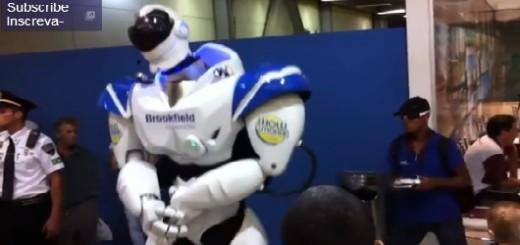 Robot bailando salsa.