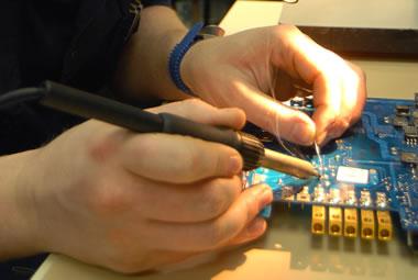 Con los kits de Todoelectronica se aprende electrónica practicando.