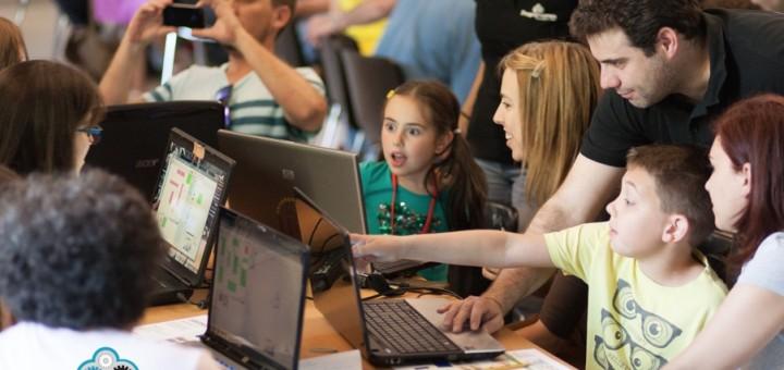 La Codeweek tenía como objetivo fomentar la programación y la robótica entre los niños, profesores, familias, etc.