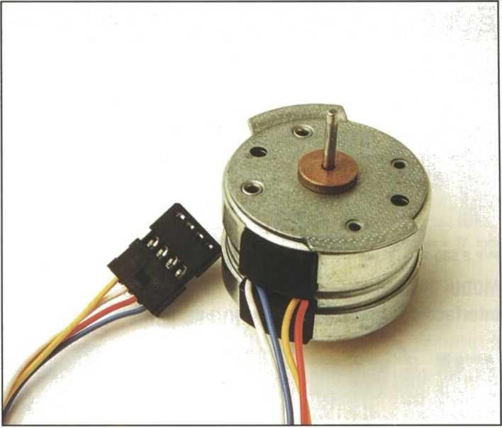 Este tipo de motor es muy utilizado en juguetes, robótica, impresoras, etc.