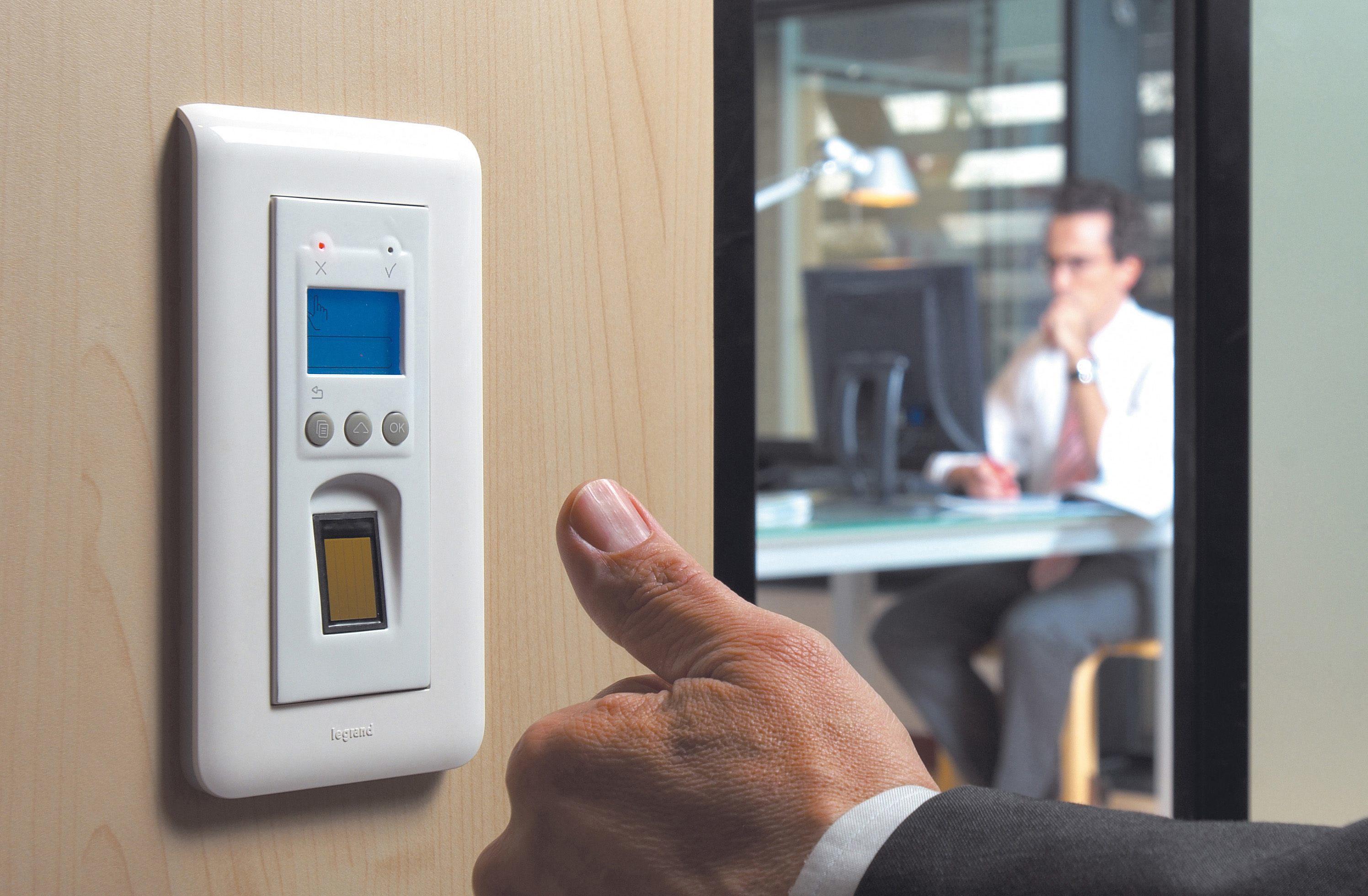 Los controles de acceso y presencia tienen muchas funcionalidades.